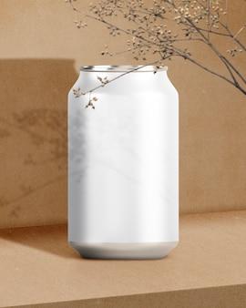 Lege aluminium drankblik met ontwerpruimte