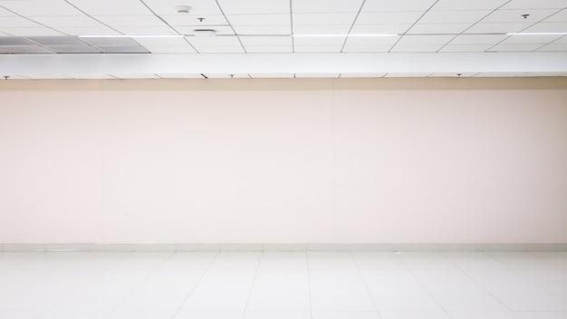 Lege bakstenen muur. achtergrond voor tekst of product