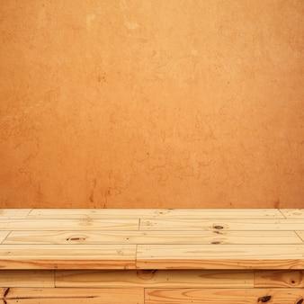 Lege bovenplanken of tafel op de muurachtergrond.