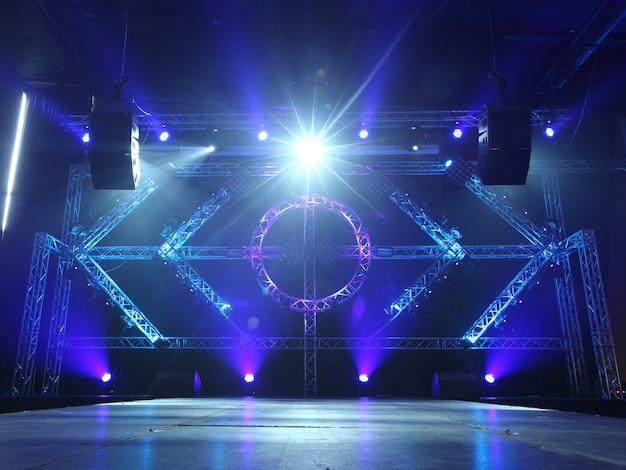 Lege catwalk van de modeshow van de catwalk met bewegende straalverlichting