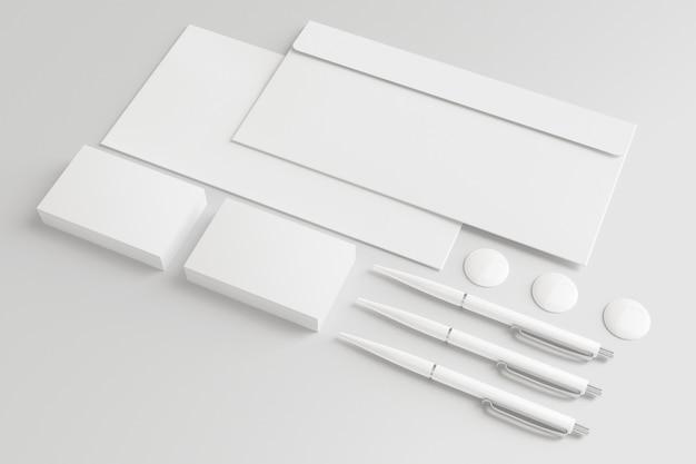 Lege enveloppen en visitekaartjes geïsoleerd op wit.