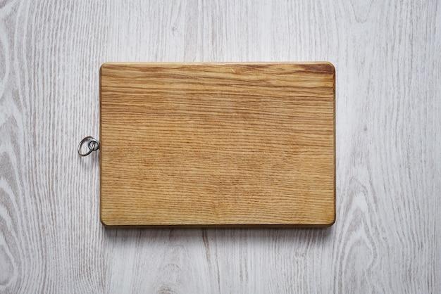 Lege houten snijplank bovenaanzicht