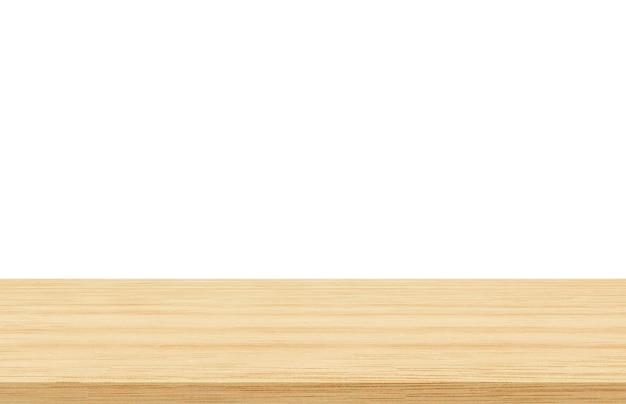 Lege houten tafel op een witte achtergrond die wordt gebruikt voor het weergeven of monteren van uw producten
