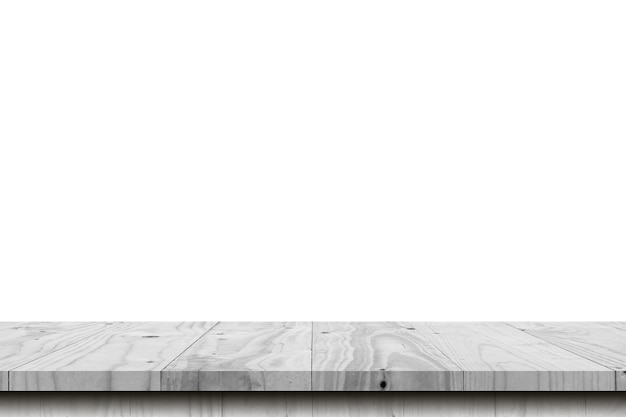 Lege houten tafel op witte achtergrond