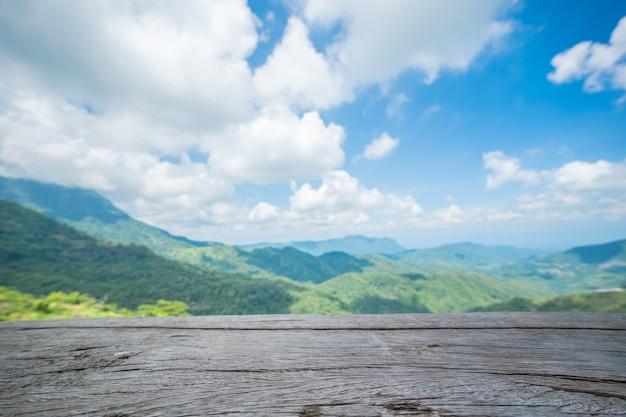 Lege houten textuur op berg