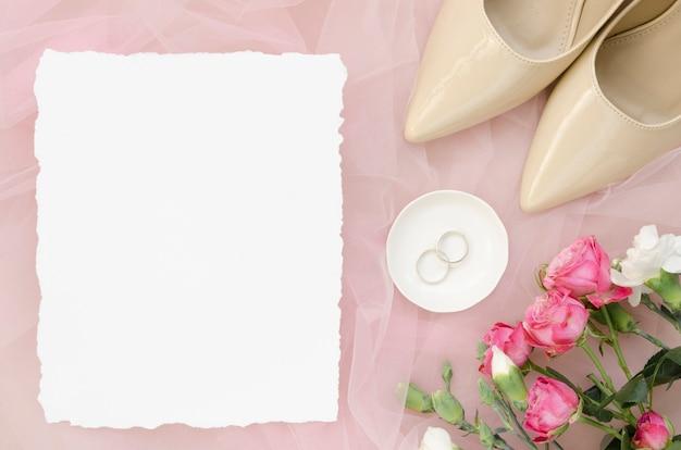 Lege kaart met trouwringen