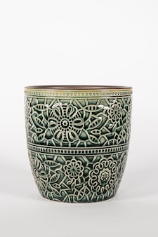 Lege keramische moderne pot bloempot geïsoleerd op een witte achtergrond