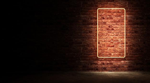 Lege neon sign board met verlichting op bakstenen muur bij nacht straat