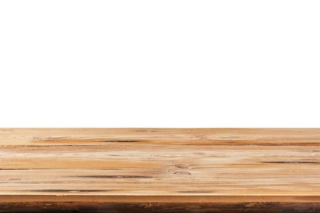 Lege oude getextureerde harde natuurlijke houten tafel op een witte achtergrond voor exposeren en montage van uw producten. gebruikte focusstapeling om volledige scherptediepte te creëren.