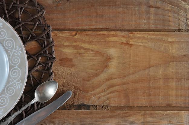 Lege sjabloon voor voedsel samenstelling plaat, mes en lepel