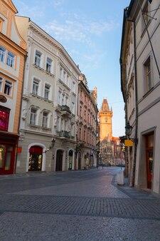 Lege straat in de oude stad, praag, tsjechië