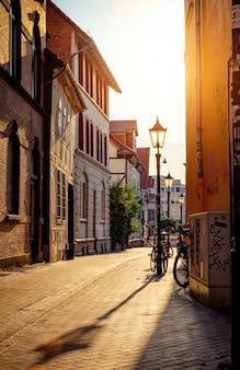 Lege straat in europese stad