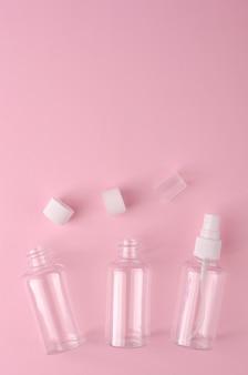 Lege transparante flessen voor verschillend vloeibaar product.