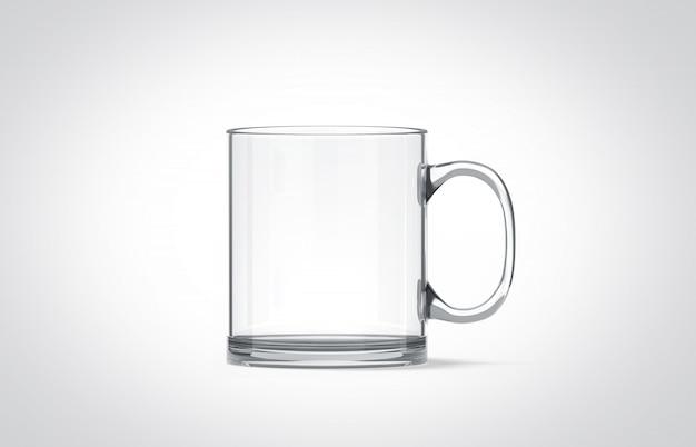 Lege transparante glazen mok geïsoleerd,