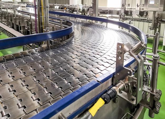 Lege transportband van productielijn