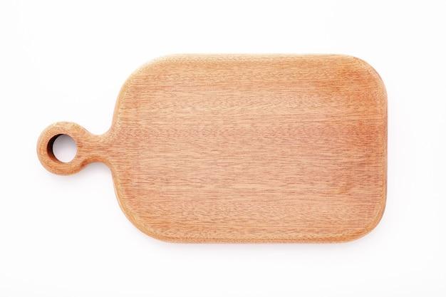 Lege vintage houten snijplank geïsoleerd op een witte achtergrond bovenaanzicht.