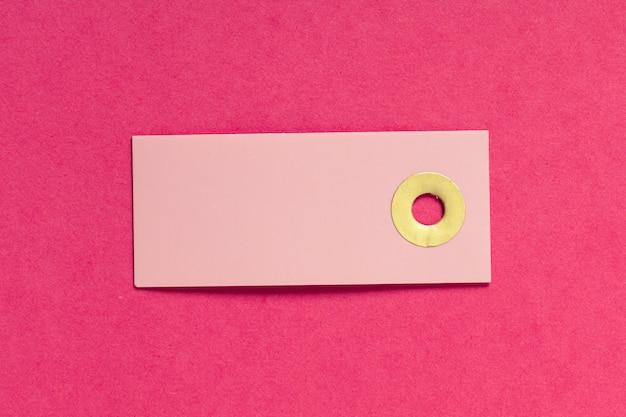 Lege wenskaart of tag op roze