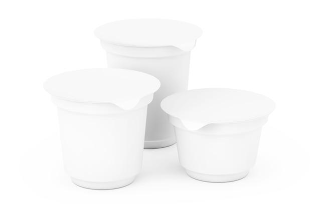Lege witte verpakkingscontainers voor yoghurt, ijs of dessert op een witte achtergrond. 3d-rendering