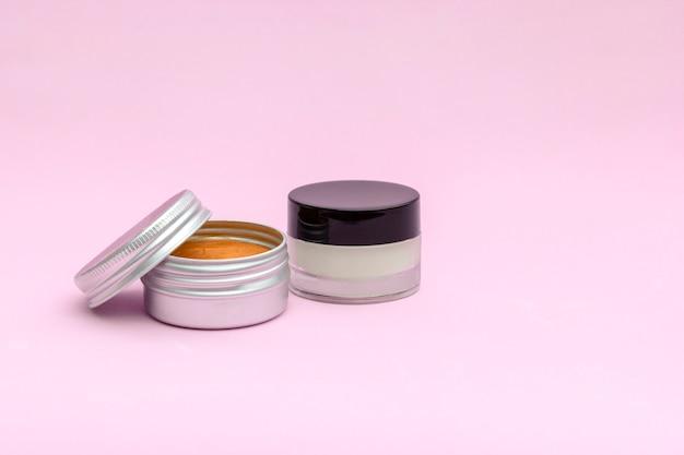 Lege zilveren glazen zalfpotje, cosmetische huidverzorgingsproducten