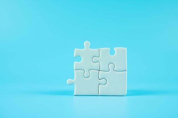 Legpuzzels vaak met kopie ruimte voor tekst. oplossingen, missie, succesvol, doelen, samenwerking, partnerschap en strategieconcept