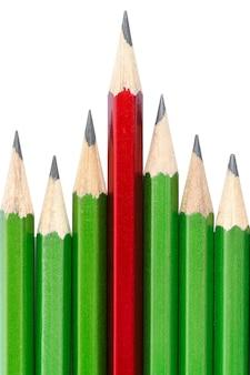Leiderschap concept - een potlood onderscheidt zich van anderen