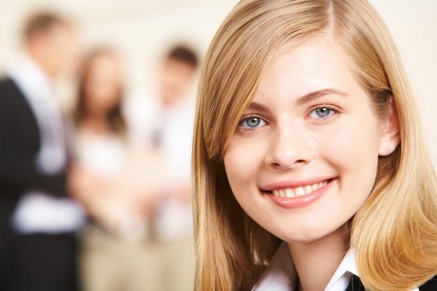 Leiderschap glimlach make-up zakelijke werknemer