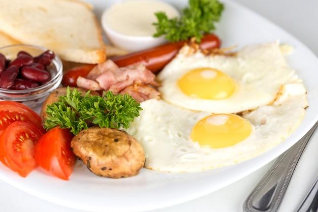 Lekker continentaal ontbijt