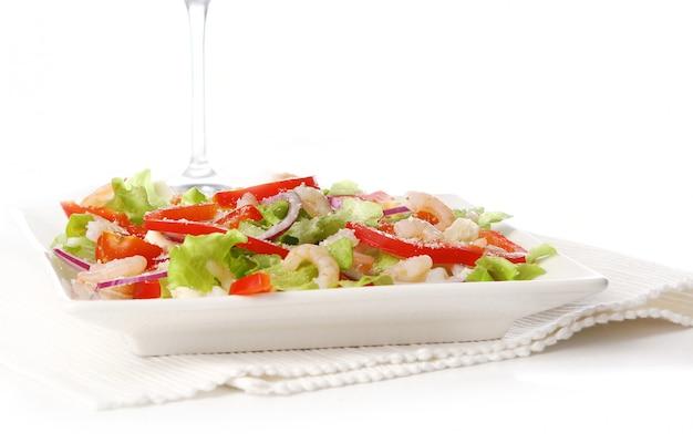 Lekker en vers salade eten