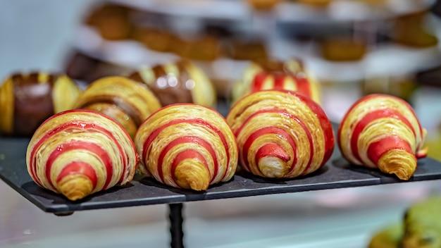 Lekkere croissant twisted met aardbei