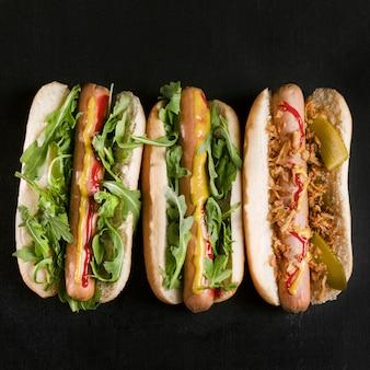 Lekkere fastfood hotdog bovenaanzicht