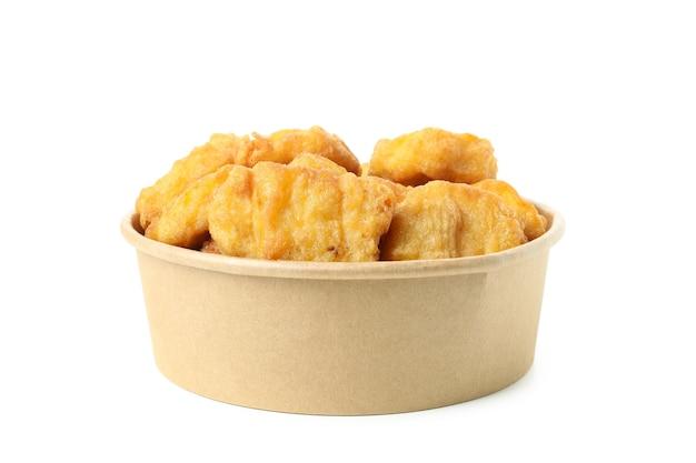 Lekkere gebakken kip geïsoleerd op witte achtergrond