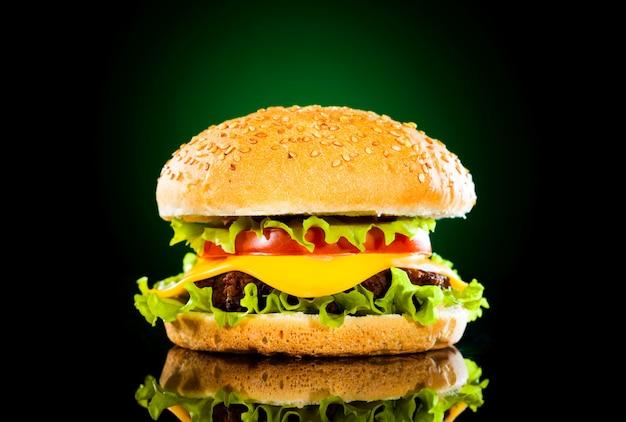 Lekkere hamburger en frietjes