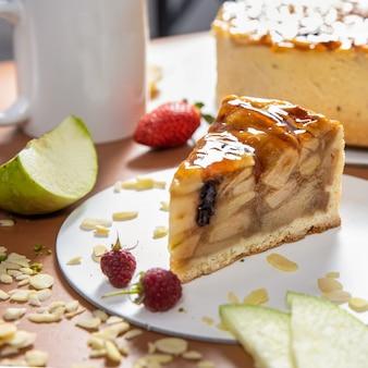 Lekkere honing chocoladetaart met close-up
