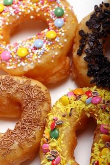 Lekkere kleurrijke donuts