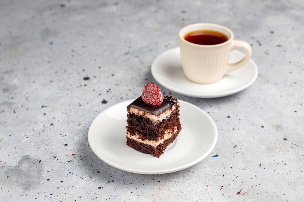 Lekkere zelfgemaakte mini chocolade cake, bovenaanzicht