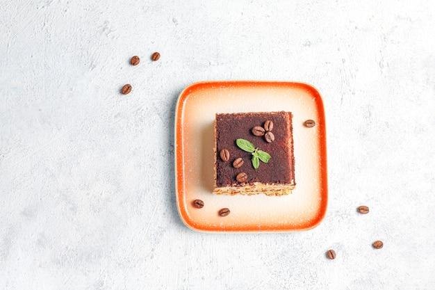 Lekkere zelfgemaakte tiramisu-cake.