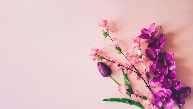 Lente bloemen achtergrond met copyspace