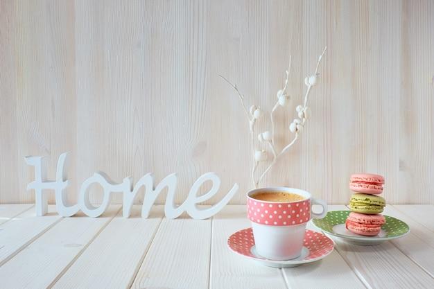 Lente koffie achtergrond. het woord