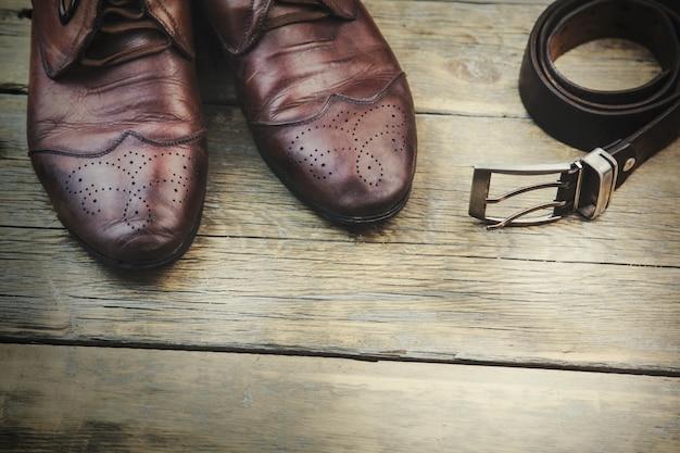 Leren schoenen en riem