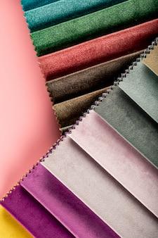 Leren weefsels in gemengde kleuren in catalogus