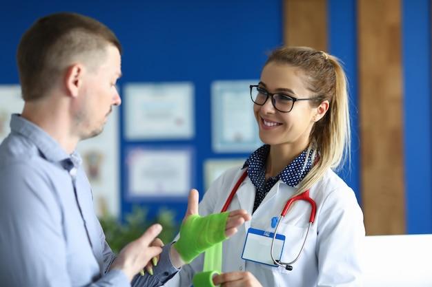 Leuk gesprek in de kliniek