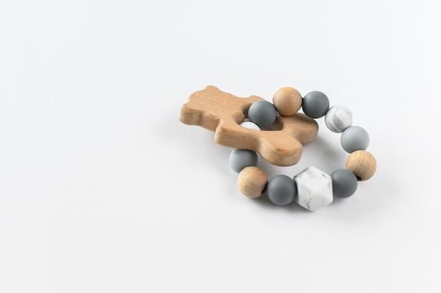 Leuk houten handgemaakt speelgoed voor pasgeboren