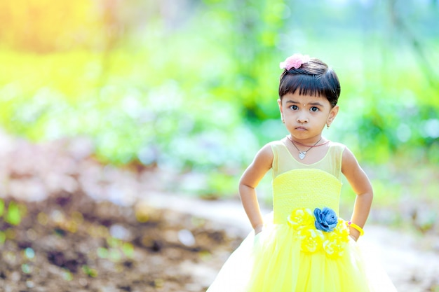 Leuk indisch meisje