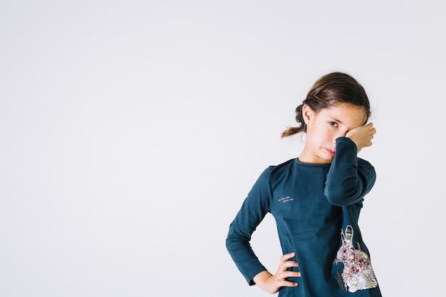 Leuk meisje huilt