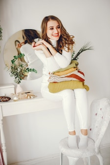 Leuk meisje met truien