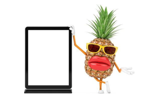 Leuke cartoon fashion hipster gesneden ananas persoon karakter mascotte met lege trade show lcd-scherm staan als sjabloon voor uw ontwerp op een witte achtergrond. 3d-rendering