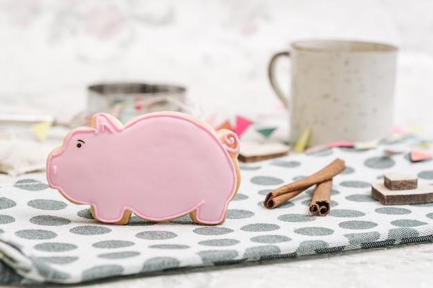 Leuke handgemaakte koekjes in een vorm van dieren