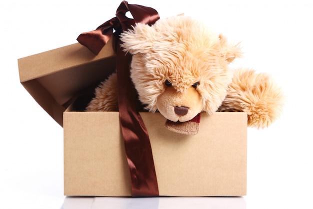 Leuke teddybeer in de geschenkdoos
