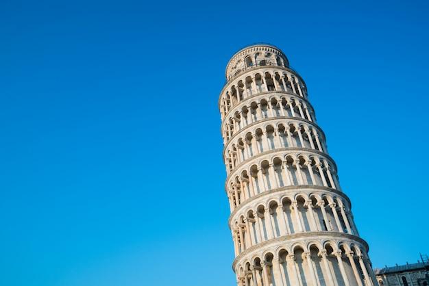 Leunende toren van pisa in pisa - italië