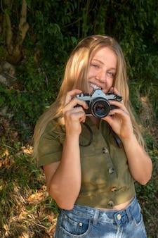 Leven na covid met meisjes die foto's maken
